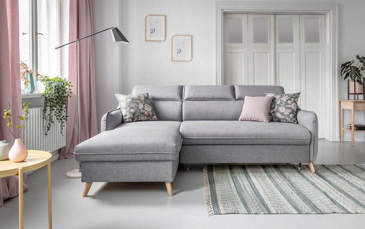 tapis gris salon canapé d'angle design rideau rose