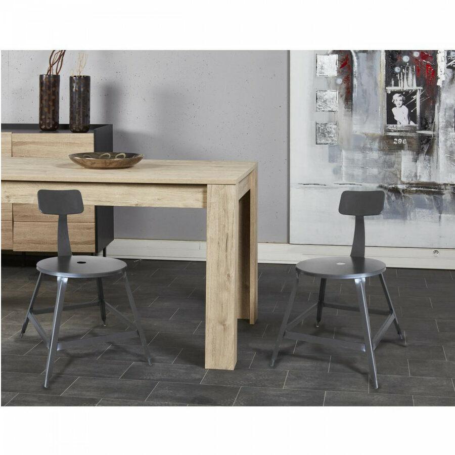 chaise en métal avec table en bois style atelier