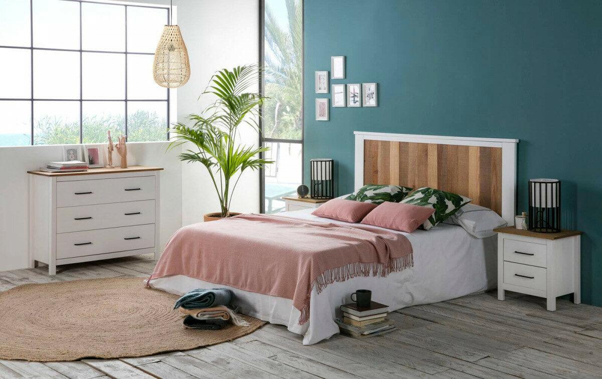 chambre mur bleu canard tête de lit bois