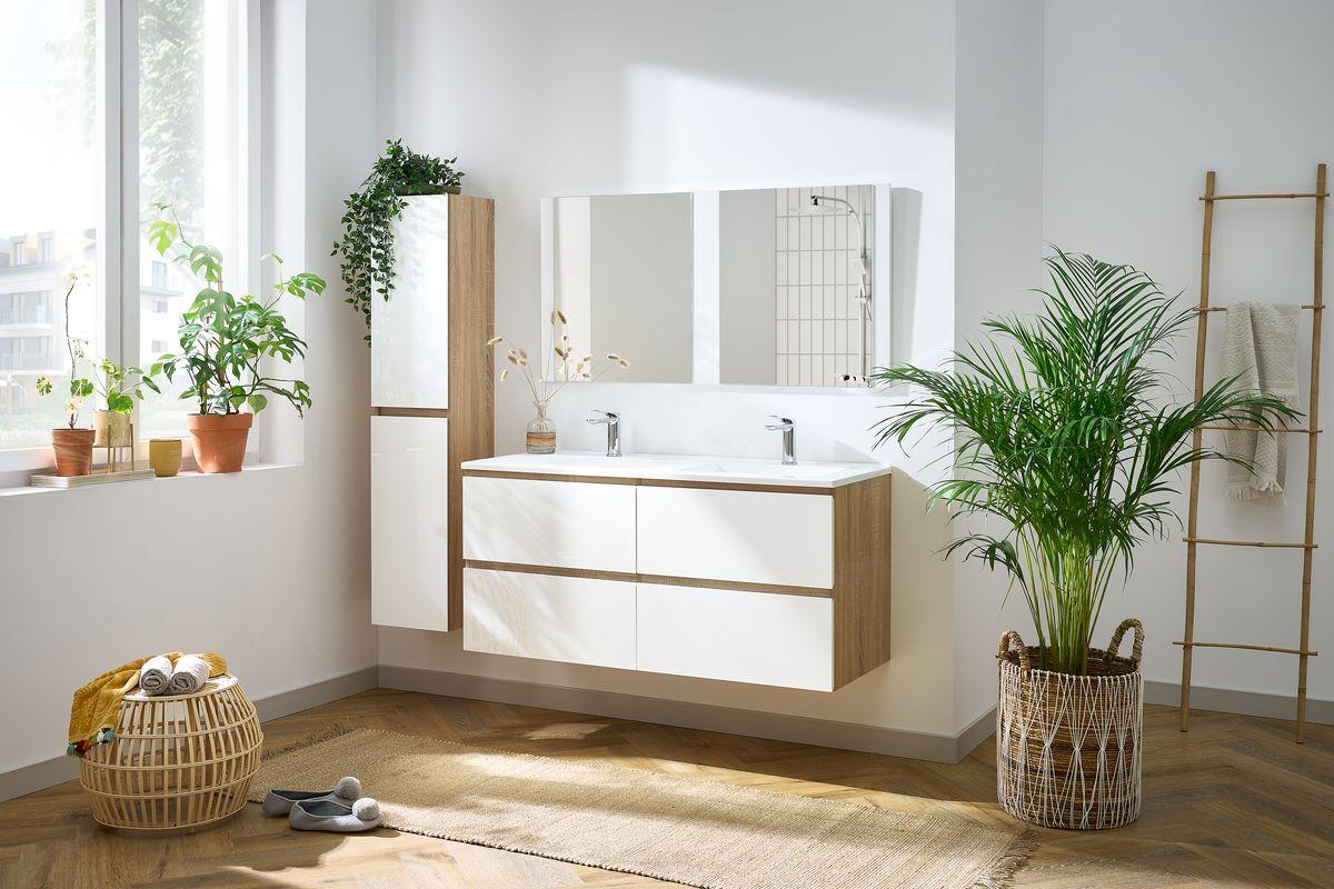 l'ensemble salle de bain ALANI bois clair et blanc pour une salle de bain moderne